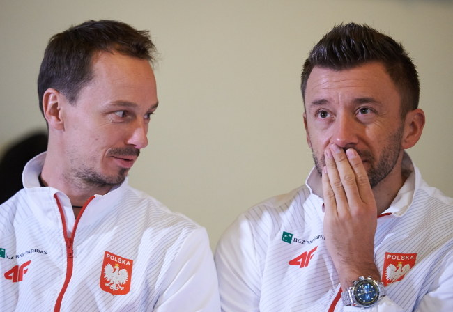 Radosław Szymanik (z lewej) i Michał Przysiężny /Adam Warżawa /PAP
