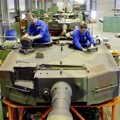 Radwar to kluczowy polski producent m.in. radarów i systemów rozpoznania dla wojska /AFP