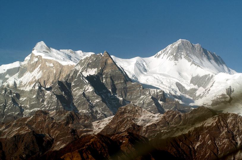 Radzieccy konstruktorzy byli gotowi zniszczyć Himalaje przy pomocy bomb atomowych. /AFP