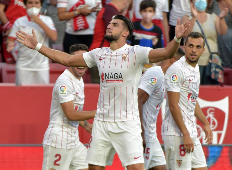 Rafa Mir za młodu grał w Valencii i tej drużynie strzelił pierwszego gola w barwach Sevilli /AFP