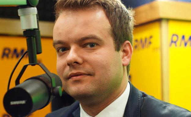 Rafał Bochenek: Na pewno odpowiemy KE i przedstawimy jej pewne informacje. Dla nas liczy się konkret /RMF