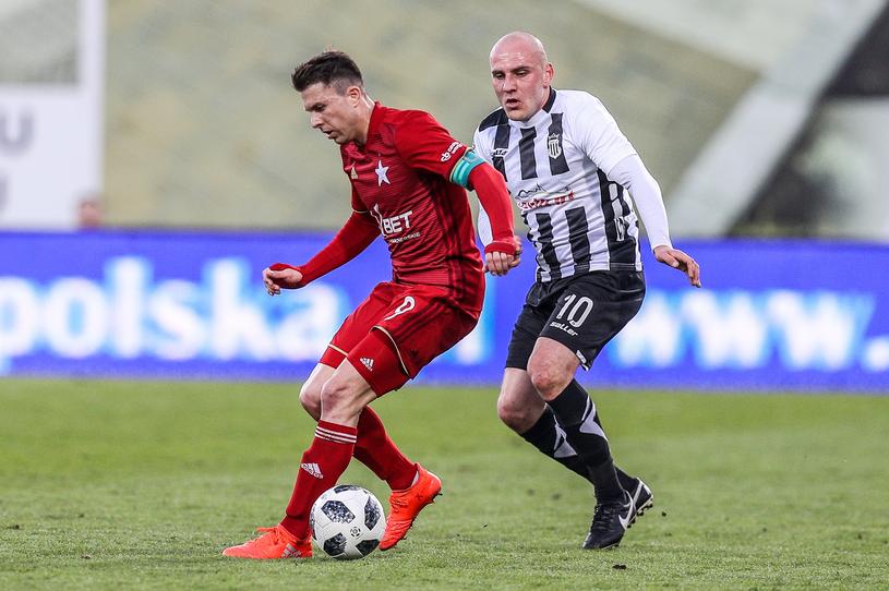 Rafał Boguski w meczu z Sandecją /AFP