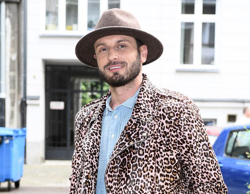 Rafał Grabias lubi oryginalne stylizacje /MWMedia