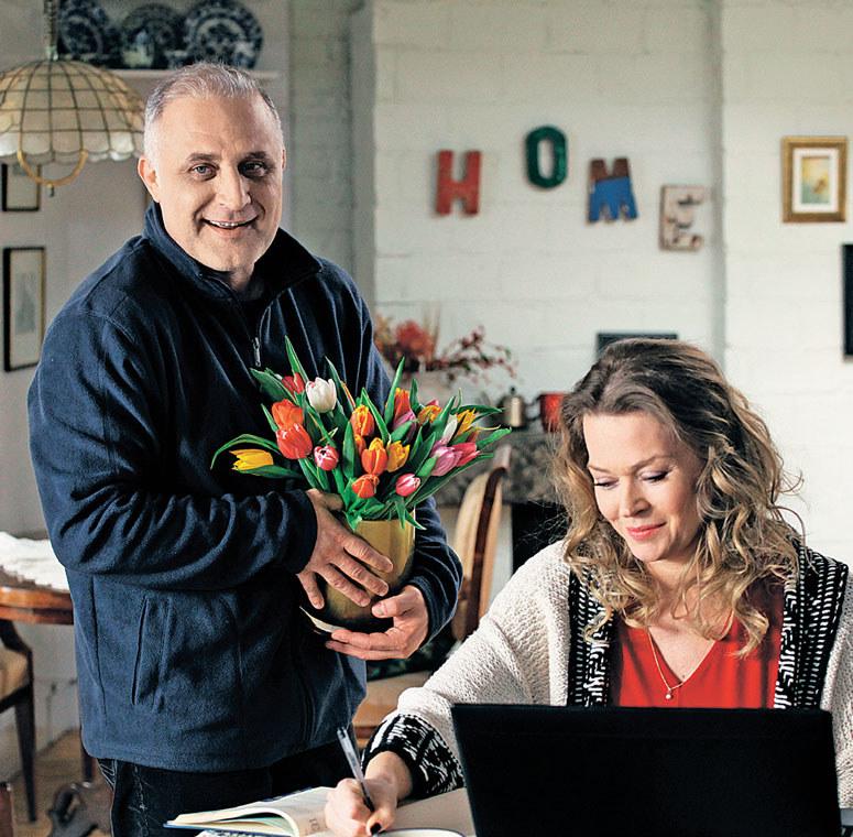 Rafał kompletnie zwariował na punkcie Anny (Tamara Arciuch), tymczasem ona go nie chce /www.mjakmilosc.tvp.pl/