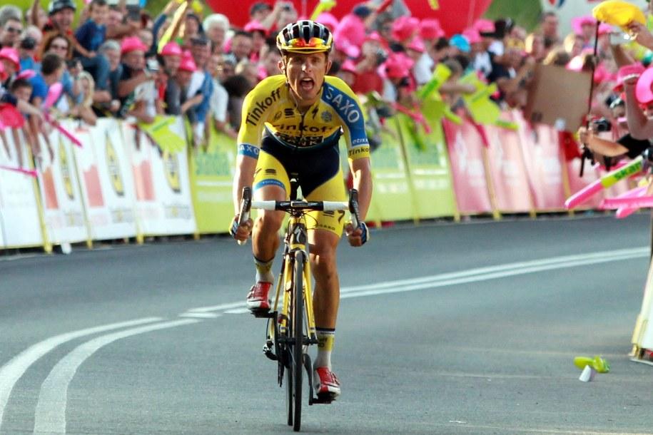 Rafał Majka na trasie ubiegłorocznego Tour de Pologne - tym razem zabraknie go na starcie /PAP/Grzegorz Momot /PAP