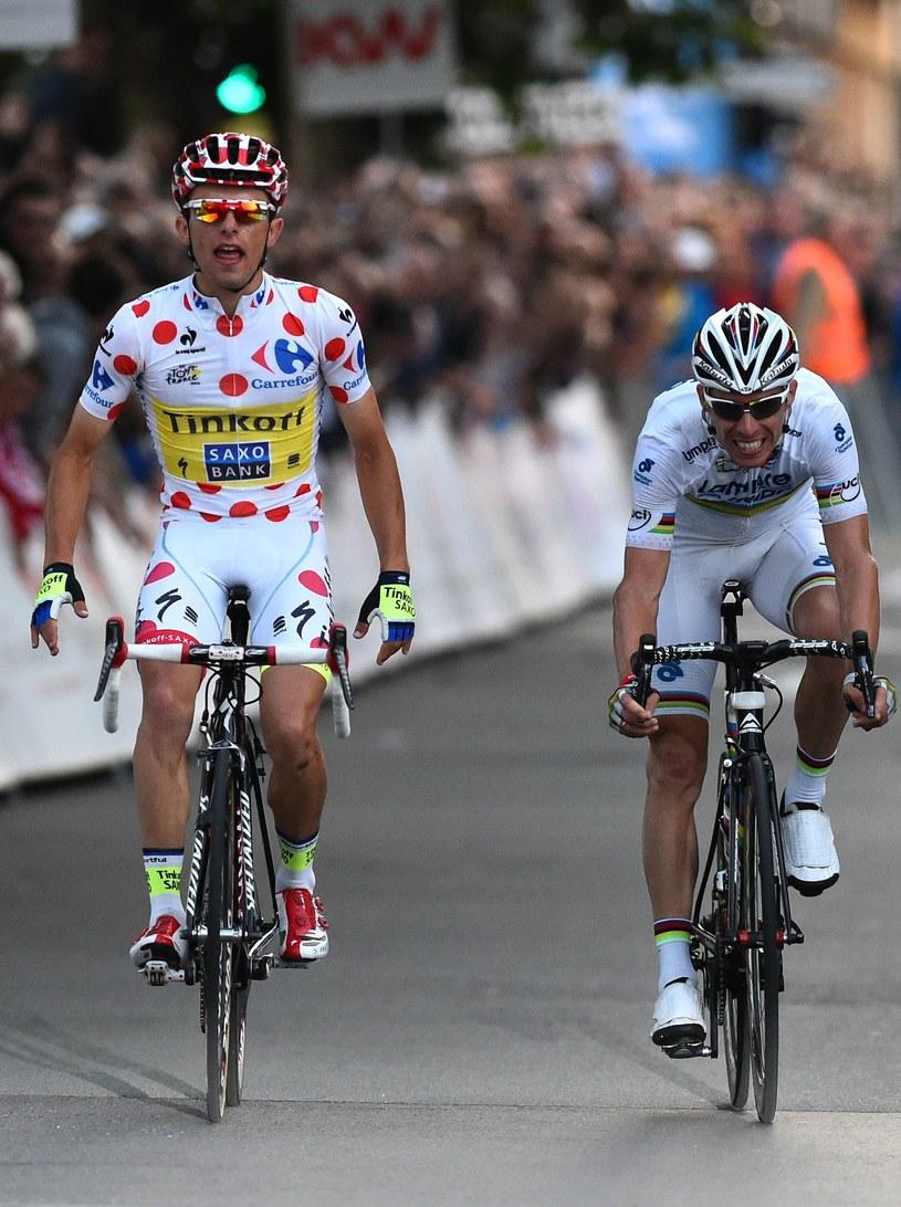Rafał Majka (z lewej) na finiszu w Roeselare pokonał Ruiego Costę /AFP