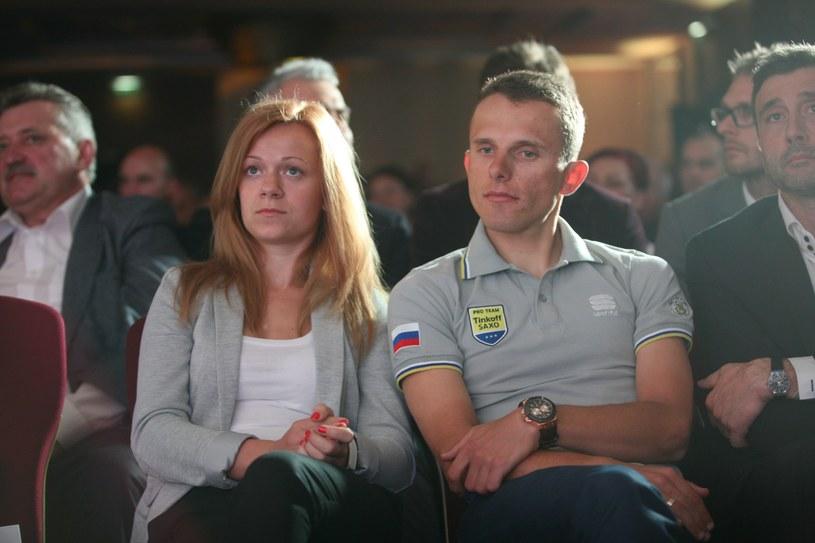 Rafał Majka z żoną /Artur Hojny /East News