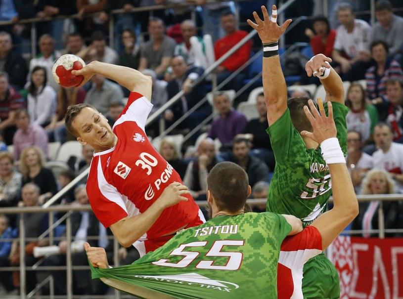Rafał Przybylski (L) w meczu z Białorusią /TATYANA ZENKOVICH  /PAP/EPA