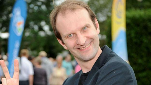Rafał Rutkowski najbardziej lubi kontakt z żywą publicznością, nie stroni jednak od udziału w serialach /Agencja W. Impact