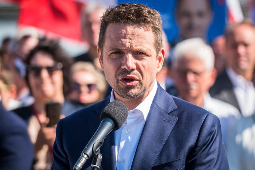Rafał Trzaskowski podczas spotkania z wyborcami /Marcin Bruniecki /Reporter