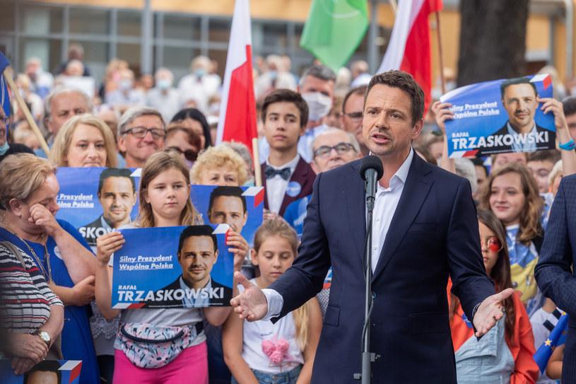 Rafał Trzaskowski w Obronikach Śląskich /Krzysztof Kaniewski/REPORTER /Reporter