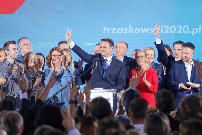 Rafał Trzaskowski w sztabie wyborczym w Warszawie /Paweł Supernak /PAP