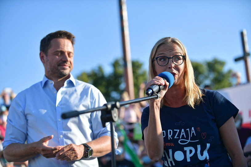 Rafał Trzaskowski z żoną podczas spotkania w Warszawie / Marcin Obara  /PAP