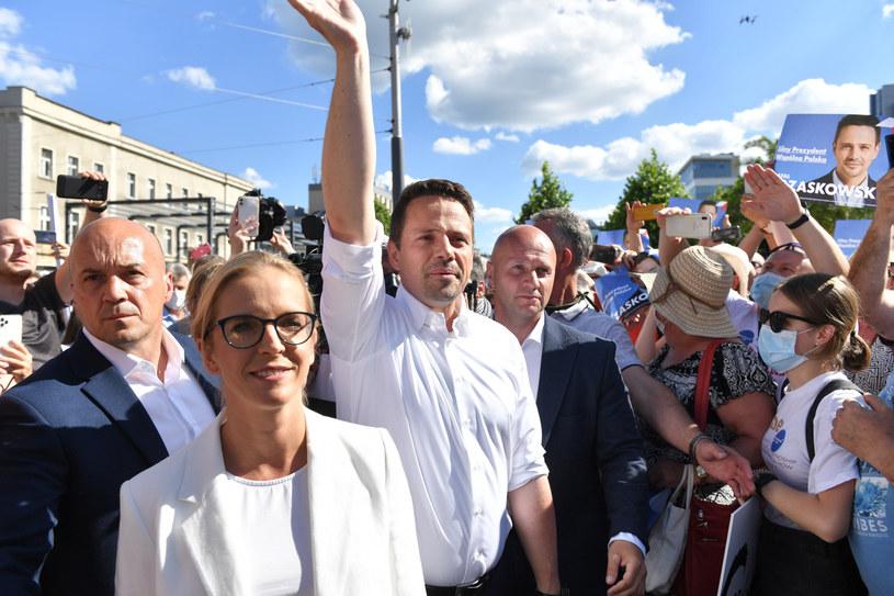 Rafał Trzaskowski z żoną podczas wizyty w Katowicach /LUKASZ KALINOWSKI /East News