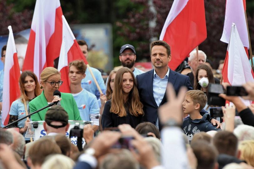 Rafała Trzaskowski z żoną Małgorzatą i dziećmi /Marcin Bielecki /PAP