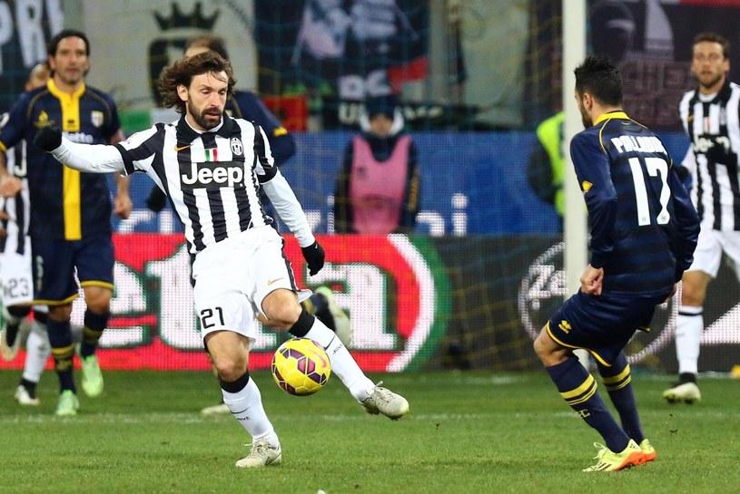 Raffaele Palladino (z prawej) i Andrea Pirlo z Juventusu. /PAP/EPA