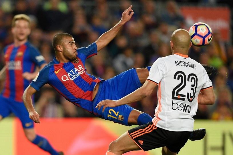 Rafinha podczas meczu z Valencią w poprzednim sezonie /AFP
