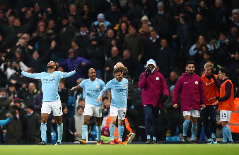 Raheem Sterling (L) cieszy się z gola /Clive Brunskill /Getty Images