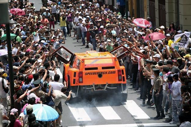 Rajd Dakar cieszy sięogromnym zainteresowaniem. /AFP