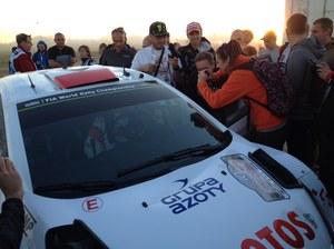 Rajd Polski. Kubica przejechał 100 km na kapciu, a potem urwał koło!