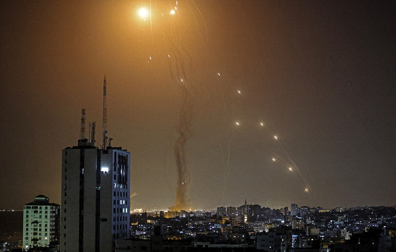 Rakiety przechwycone nad Izraelem /MAHMUD HAMS /AFP