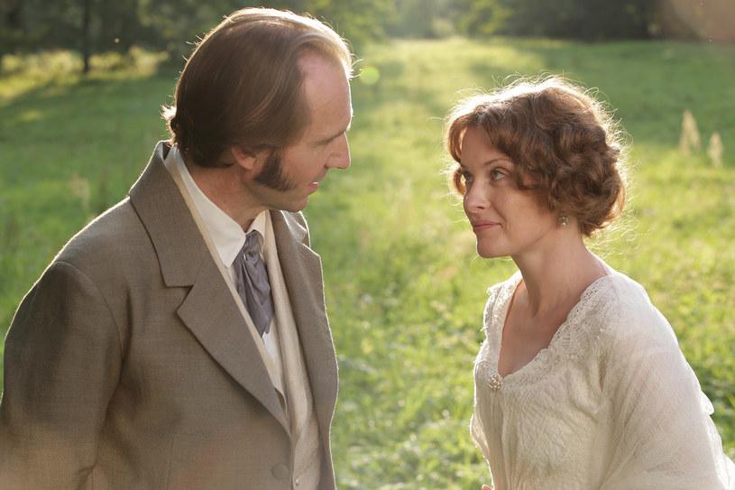 """Ralph Fiennes w filmie """"Dwie kobiety"""" /materiały dystrybutora"""