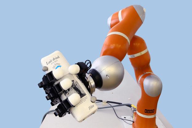 Ramię robota zbudowanego w Ecole Polytechnique Fédérale de Lausanne Fot. EPFL /materiały prasowe