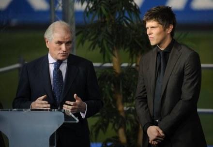 Ramon Calderon i nowy nabytek Realu Klaas-Jan Huntelaar /AFP