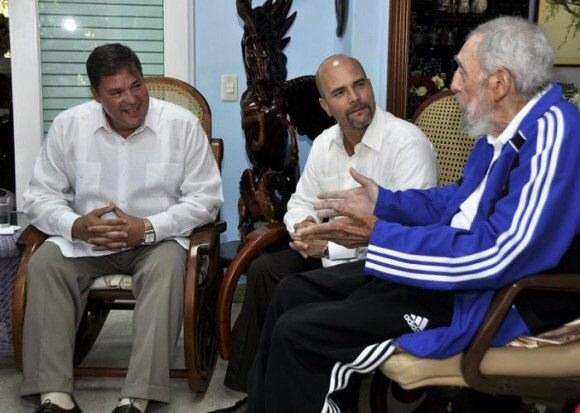 Ramon Labanino, Gerardo Hernandez i Fidel Castro /PAP/EPA