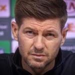Rangers FC - Lech Poznań. Steven Gerrard dostał od Lecha... tajemnicze pudełko