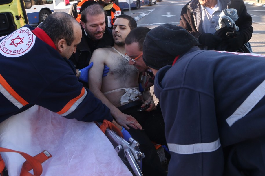 Ranni zostali przewiezieni do szpitala. Trzy osoby są w stanie ciężkim /MOTTI KIMCHI  /PAP/EPA