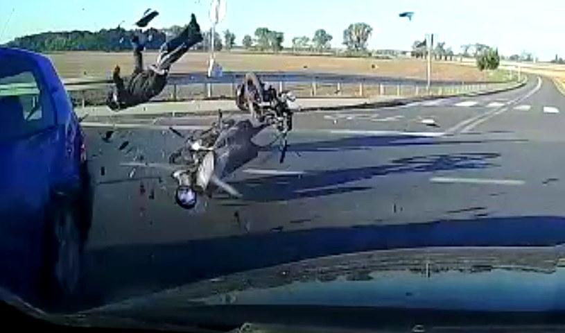 Ranny motorowerzysta po wypadku trafił do szpitala /Policja