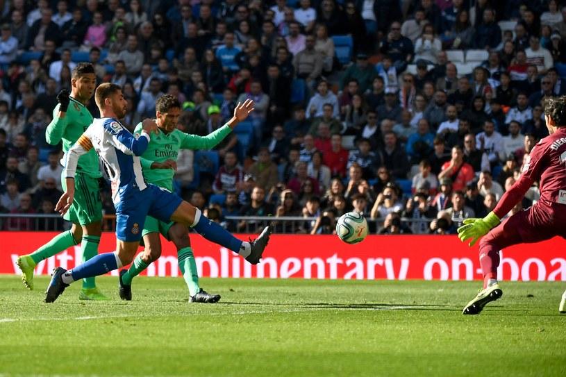 Raphael Varane strzela gola na 1-0 /AFP