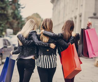 Raport: Coraz więcej Polaków nie obawia się zakupów w sklepach tradycyjnych