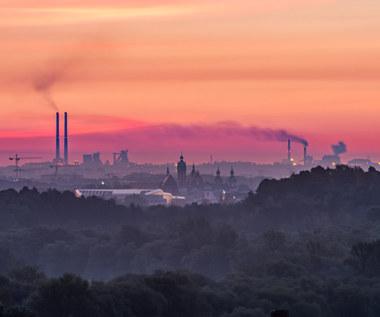 Raport: O 57 proc. zmniejszyła się emisja PM10 w aglomeracji krakowskiej