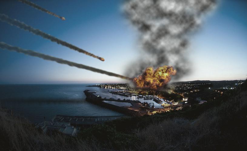 Raport rozpatruje m.in. scenariusz zderzenia Ziemi z asteroidami, zdjęcie ilustracyjne /123RF/PICSEL