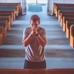 Raport: Więcej wiernych, mniej powołań w Kościele katolickim