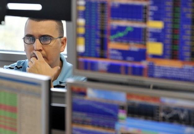 Raporty makro, w tym te o zamówieniach na dobra trwałe, są kolejną oznaką słabnącej gospodarki /AFP