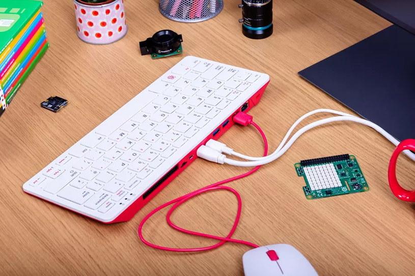 Raspberry Pi 400 /materiały prasowe