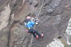 Ratownicy górscy ćwiczą na górze Wdżar