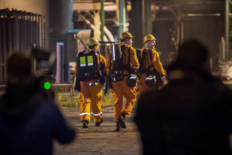 Ratownicy na miejscu zdarzenia /LUKAS KABON /PAP/EPA