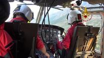 Ratownicy przeszukują teren katastrofy w parku narodowym w Kalabrii