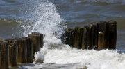 """Ratownik: Wysoka fala na morzu to ogromne zagrożenie, a nie nasze """"widzimisię"""""""