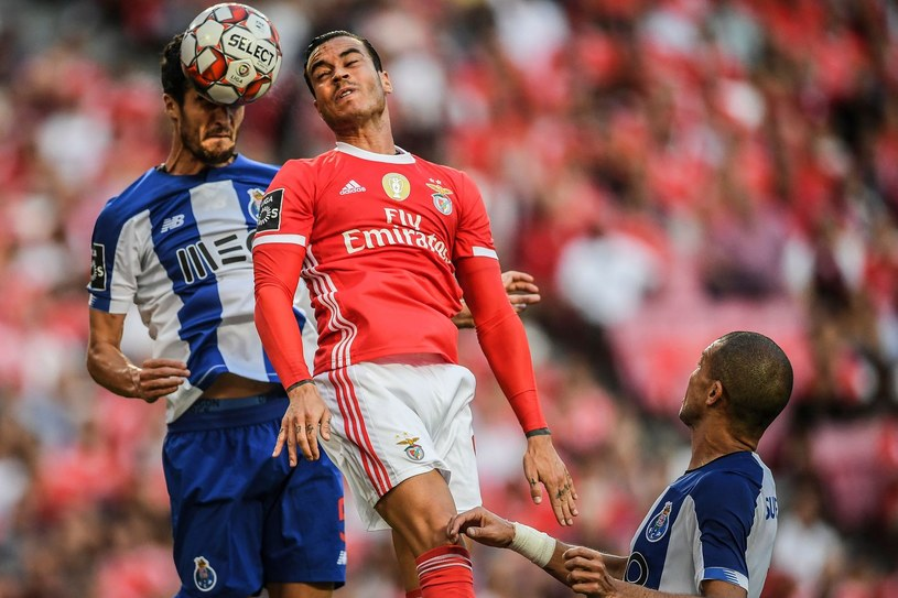 Raul de Tomas (czerwona koszulka) /AFP