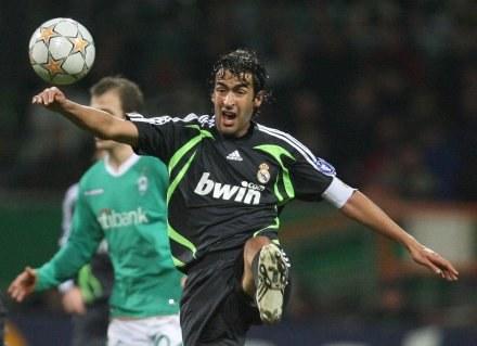 Raul nie zdołał pokonać Christiana Vandera. /AFP