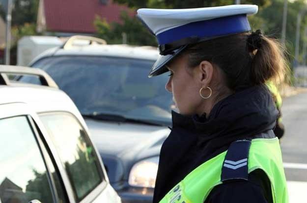 Rażące amatorszczyzną interwencje zdarzają się także czysto męskim patrolom /Fot. Piotr Jedzura /Reporter