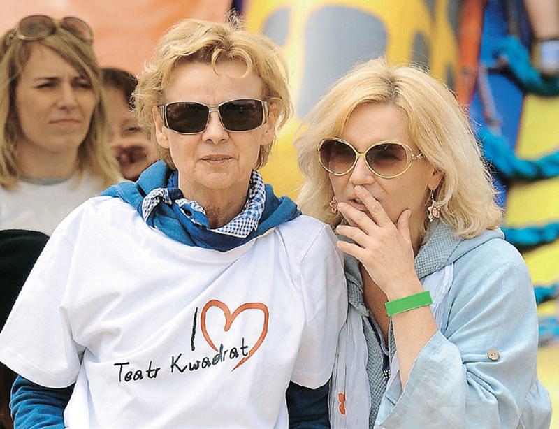Razem z Ewą Wencel wzięła w 2014 roku udział w charytatywnym meczu gwiazd Teatru Kwadrat w hotelu Ossa /Świat Seriali