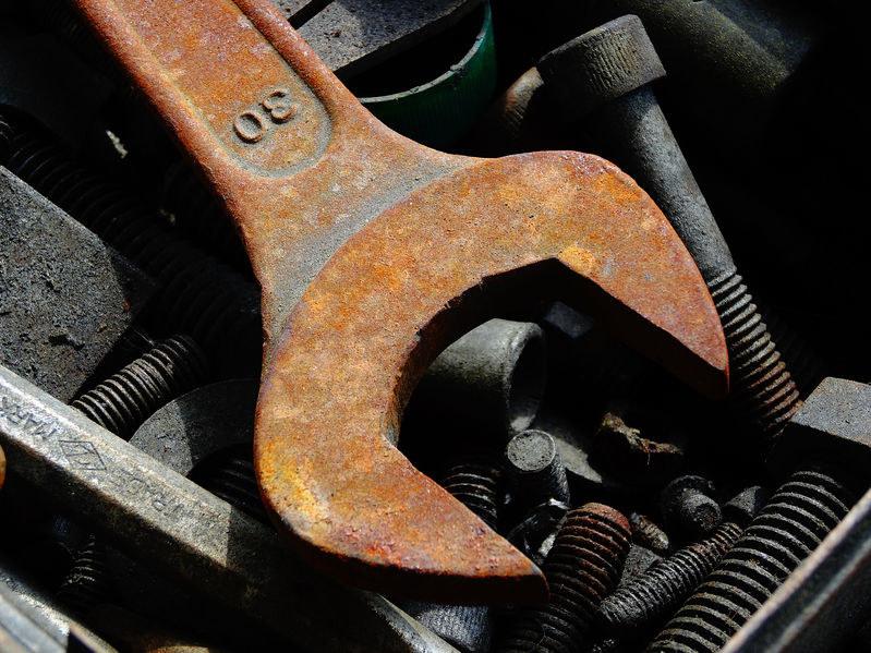 Rdza często atakuje narzędzia /123RF/PICSEL