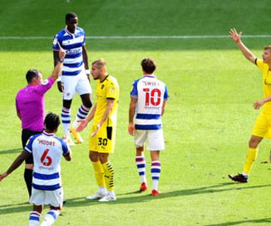 Reading - Barnsley 2-0 w 2. kolejce Championship. Czerwona kartka Michała Helika