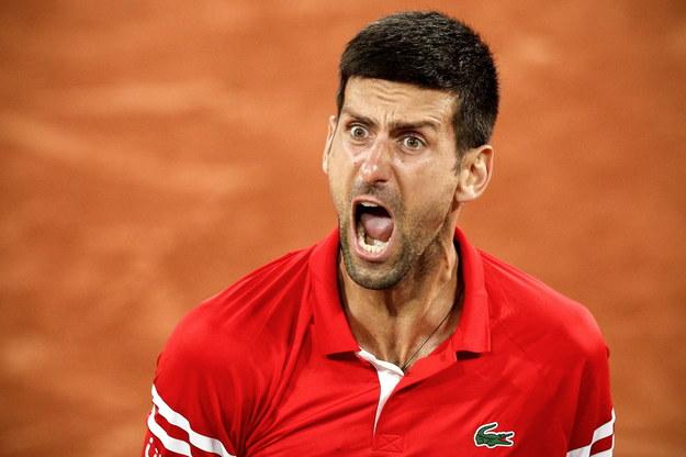 Reakcja Djokovica po wygranej z Matteo Berrettinim /YOAN VALAT  /PAP/EPA